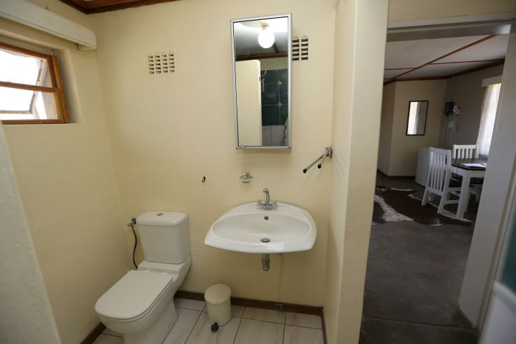 Damahaus Bath (2)