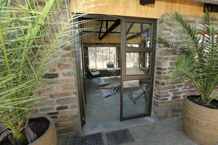 Damahaus Entrance (0)