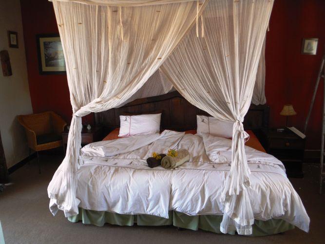 Felsenhouse room inside 2 dbl bed 2 matrasses limited aircon